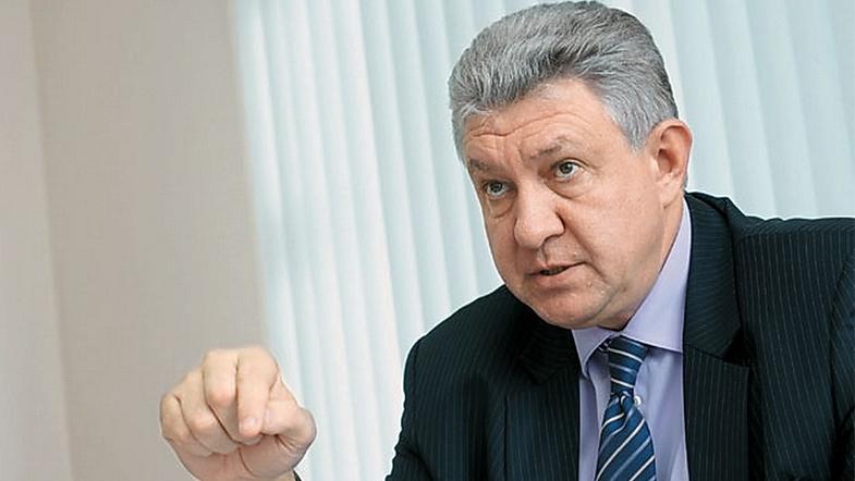 Акцент на внутреннее потребление для бизнеса и снятие нормативных барьеров с РФ - вице-премьер Пашков