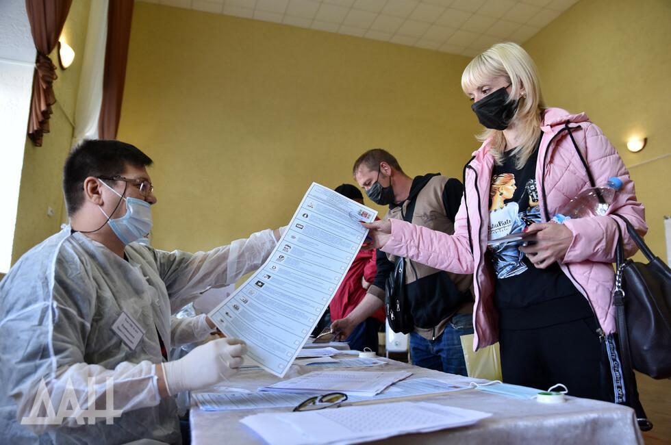 На выборах в Госдуму проголосовали около 200 тысяч жителей Донбасса