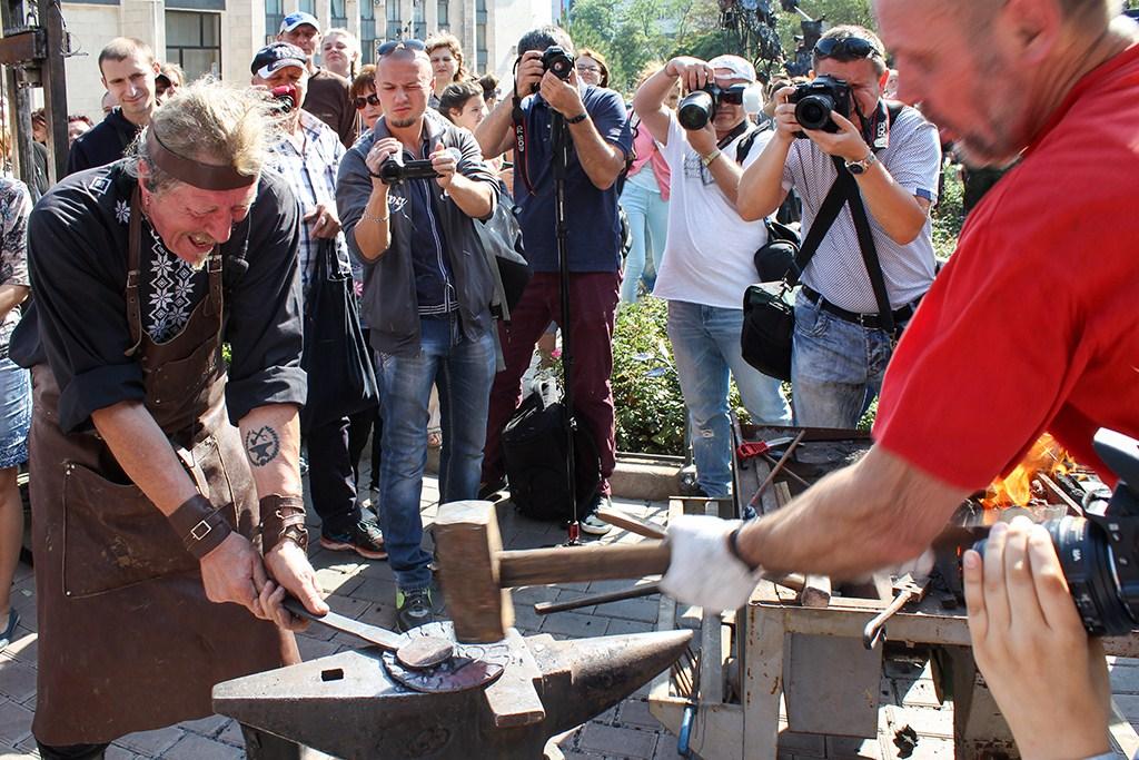 Оживший металл к 150-летию города. Полная программа ХХI фестиваля кузнечного мастерства в Донецке