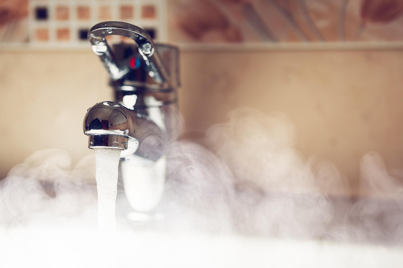 Стал известен график отключения горячей воды в Донецке