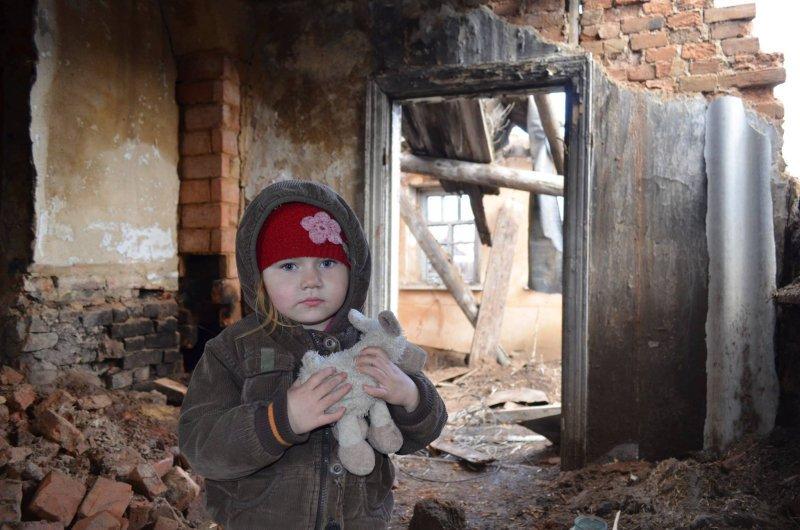 В кого стреляют ВСУ? Видео с окраин Донецка