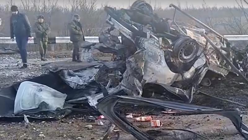 Возле КПП Еленовка подорвался гражданский автомобиль, двое человек погибли