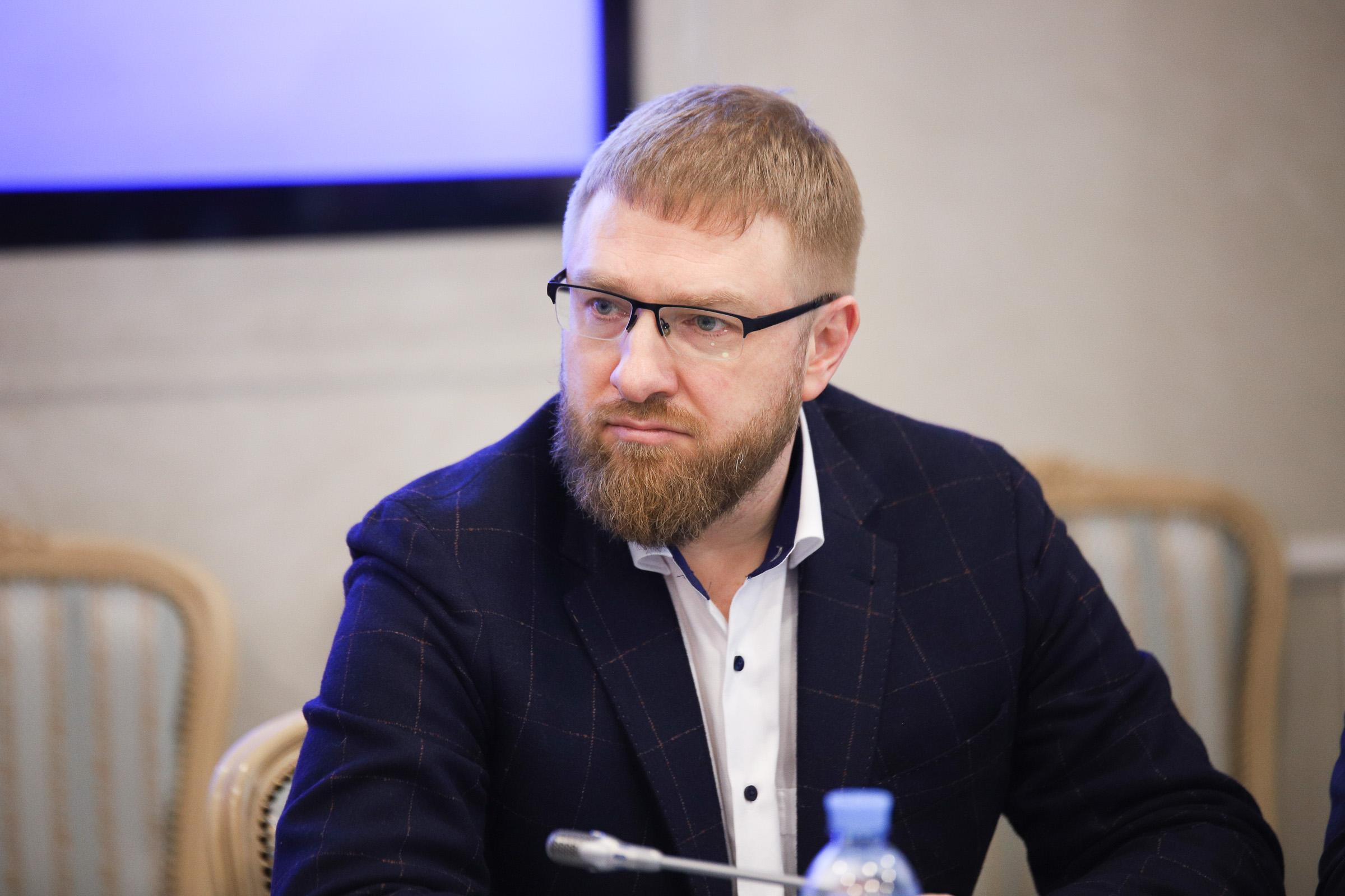 ДНР и ЛНР необходимо наращивать информационный потенциал для противодействия Киеву - эксперт