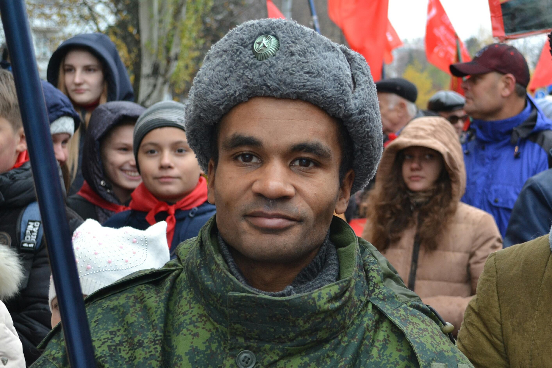 В России задержали известного ополченца Бенеса Айо и хотят выдать Украине