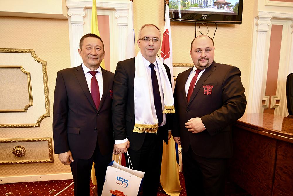 Председатель НС ДНР Бидевка посетил Калмыкию в рамках расширения отношений с регионами России