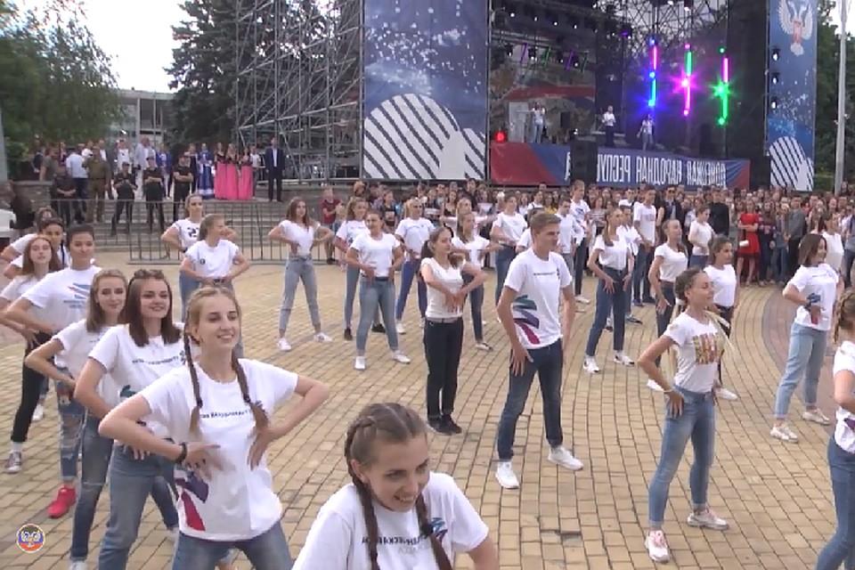 Концерт Лисицы, кованая арка и артисты из Москвы. Стала известна программа праздничных мероприятий на День города и День шахтера в Донецке