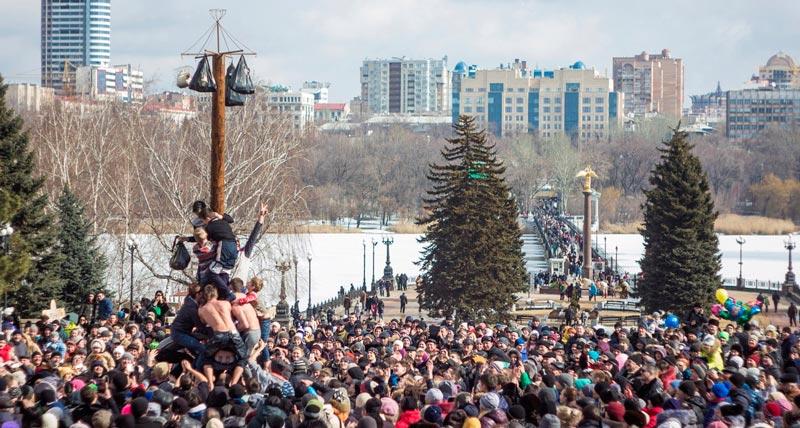 Богатырская поляна, много блинов и чудо-самовар. Стала известна программа мероприятий в Донецке на Масленицу-2019