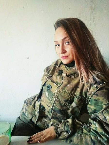 На поле боя погибли 23-летняя санинструктор армии ДНР и два бойца, которых она пыталась спасти