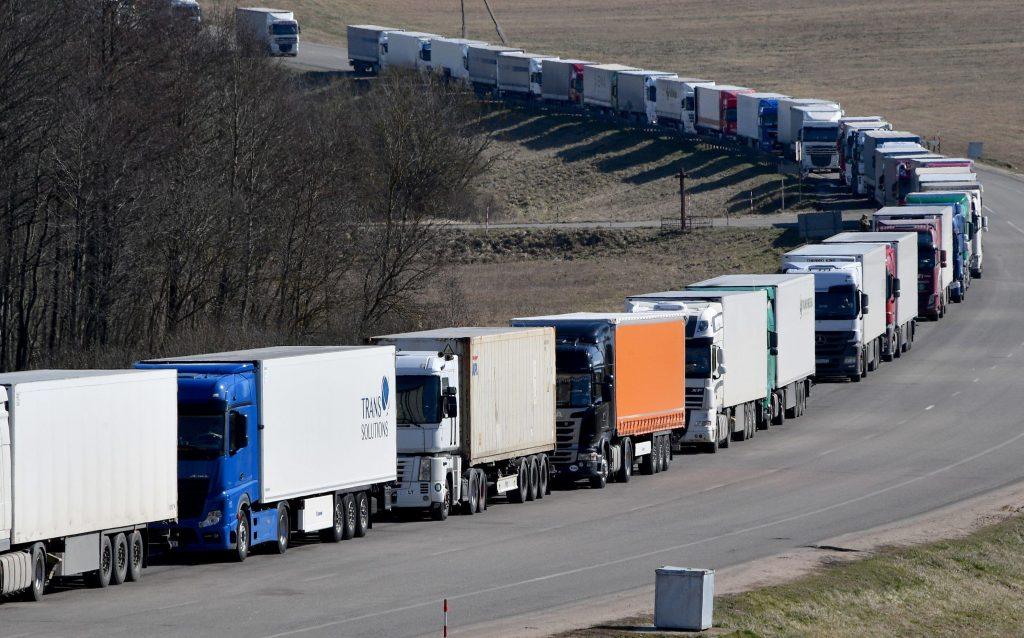 На период выборов ДНР ограничила выезд грузового транспорта в РФ