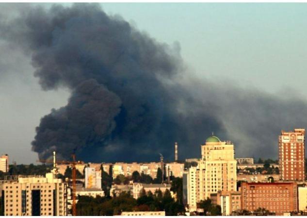 В Донецке произошел мощный пожар на алюминиевом заводе. Фото. Видео