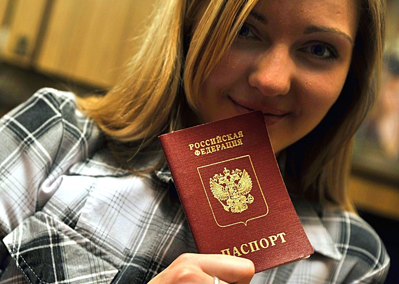 С 3 мая и обязательным паспортом ДНР. В МВД разъяснили порядок получения российских паспортов