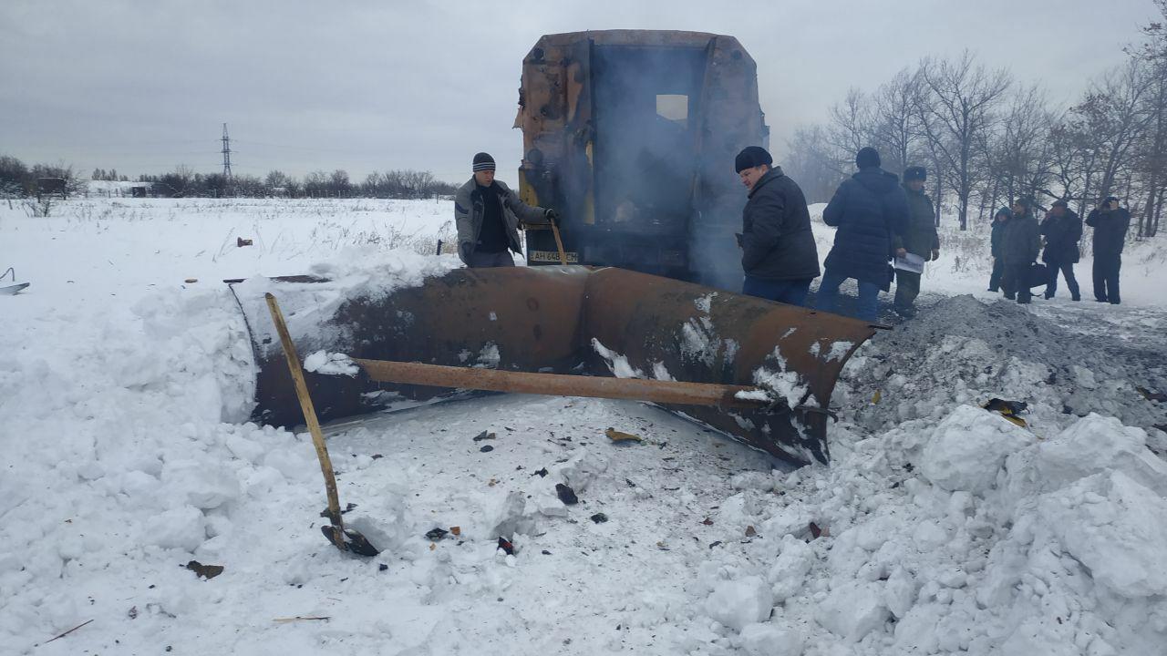 Под Ясиноватой ВСУ подбили автомобиль