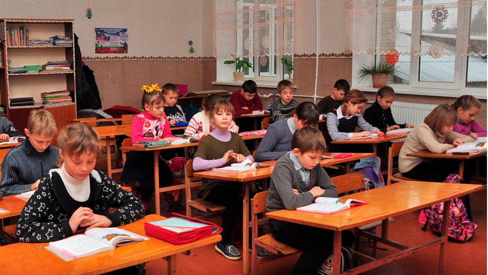 Стали известны даты первого и последнего звонка и школьных каникул в ДНР