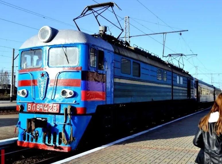 Снова начал курсировать поезд из Ясиноватой до границы с Россией. График движения