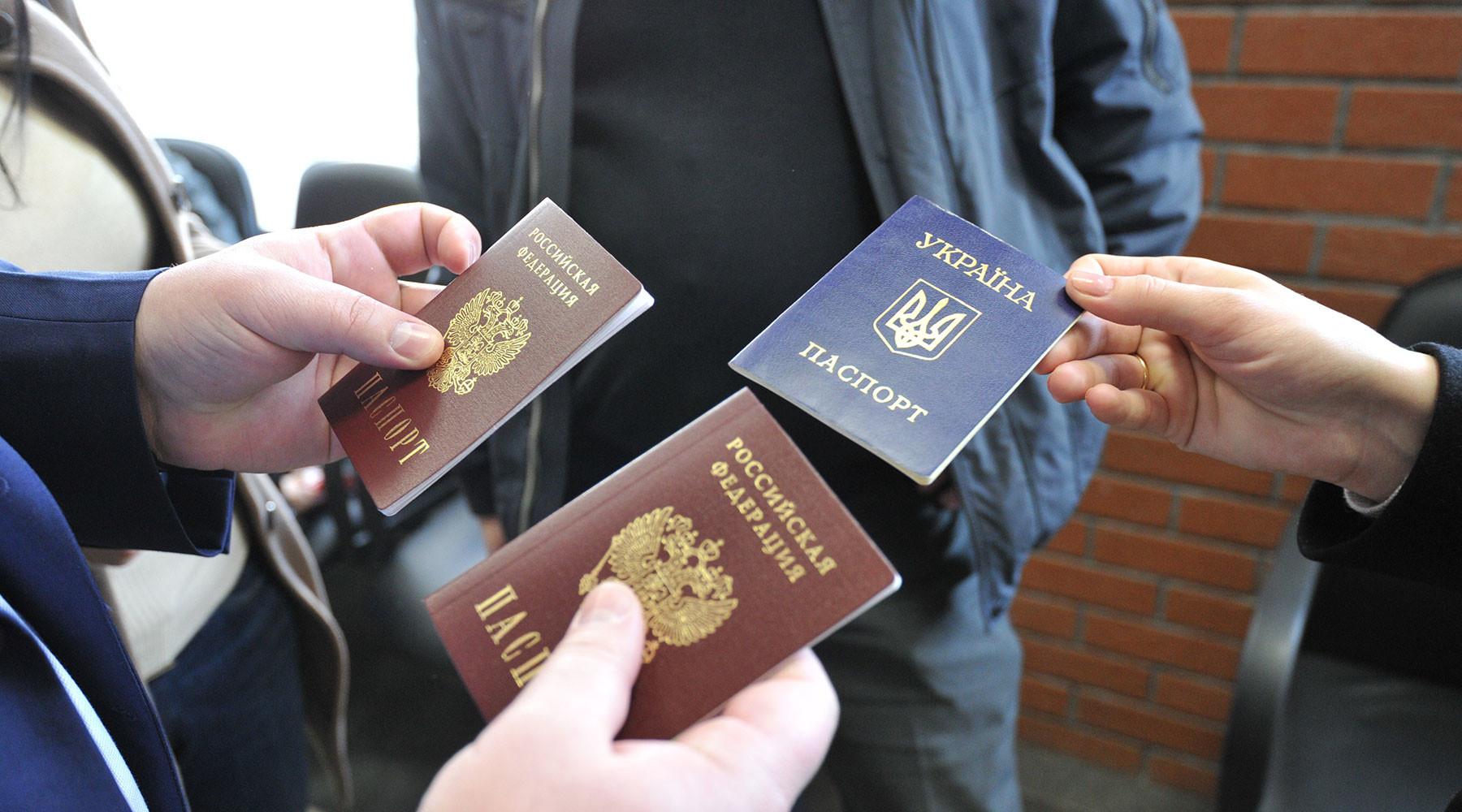 Без наркоманов и ВИЧ-инфицированных. Путин подписал указ об упрощении гражданства для украинцев