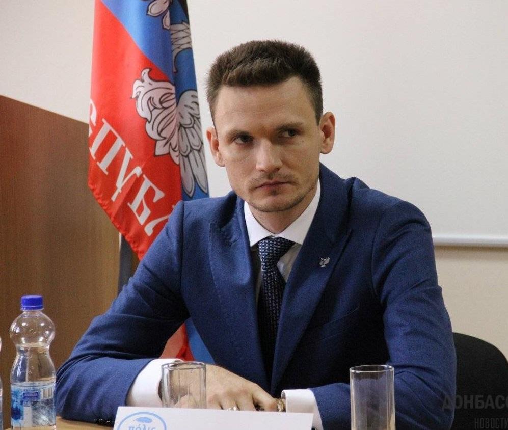 Глава ДНР уволил министра связи Виктора Яценко