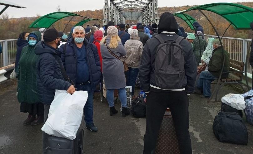 ЛНР из-за коронавируса ограничила пересечение блокпоста с Украиной. Новые требования